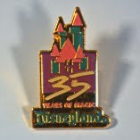 Pin's Disneyland 35 Years of Magic (USA OCCAZ Pin's Autres)