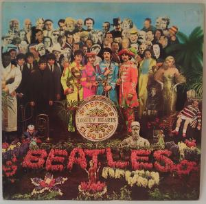 Sgt Pepper s Lonely Hearts Club Band (01)