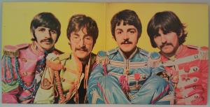 Sgt Pepper s Lonely Hearts Club Band (05)