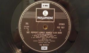 Sgt Pepper s Lonely Hearts Club Band (10)