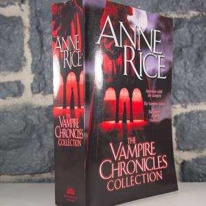 The Vampire Chronicles Collection- Interview with the Vampire, The Vampire Lestat, The Queen of the Damned (02)