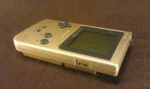 GameBoy Pocket Gold (02)