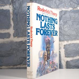 Nothing Lasts Forever (Roderick Thorp) (02)